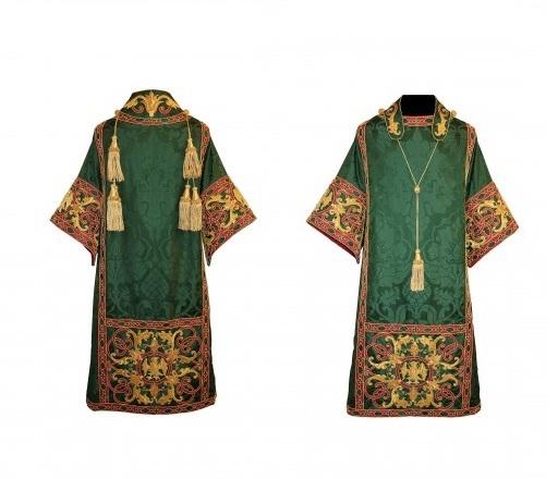 католический священник одеяние